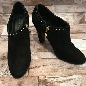 Tahari Ramona Black Suede Booties Sz 7